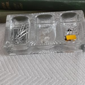 Vintage pressed glass desk accessory/ inkw…